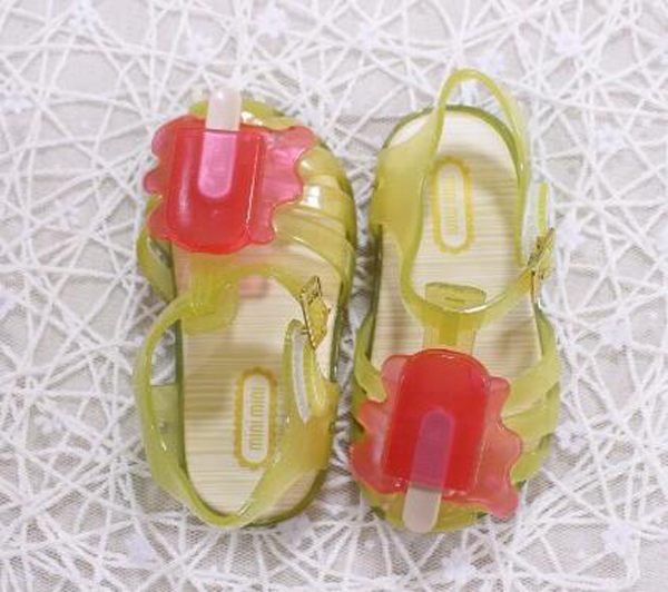 http://www.chaosbebe.com/kidssandal/wholesale-platform-yellow-plastic-kids-jelly-shoes-infant-jelly-sandals-for-girls-toddlers.html