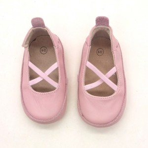 pale pink smooth leather soft sole handmade leather baby toddler shoes girl slippers wholesale